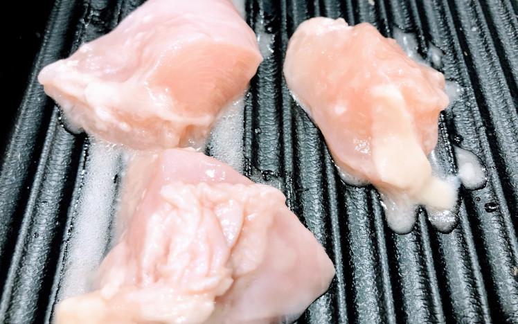 火鍋しゃぶしゃぶ食べ放題の塩麹鶏肉